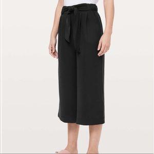 Lululemon Noir Crop Pants Black